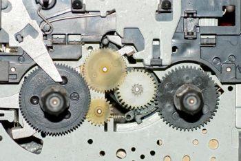 Ingranaggi di un orologio che rappresentano la complessità